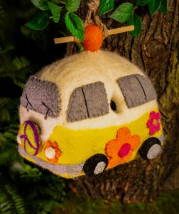 DZI VW bug birdhouse - new-min